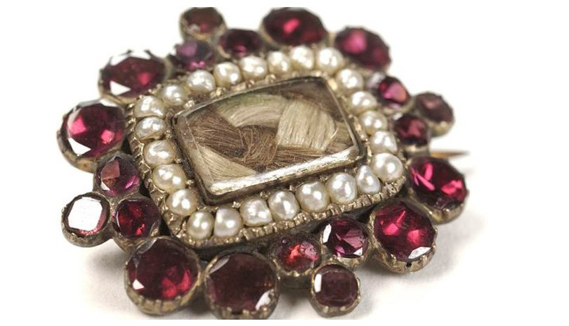 Mourning Jewelry: From Cradle to the Grave