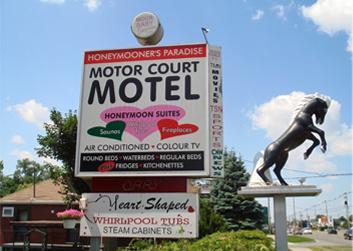 Motor Court Motel
