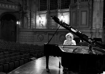Sara David Beuchner on Piano