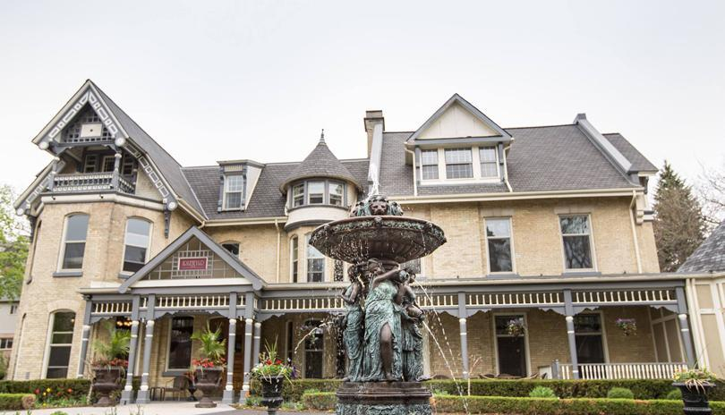 Stay a Little Longer with the Idlewyld Inn & Spa