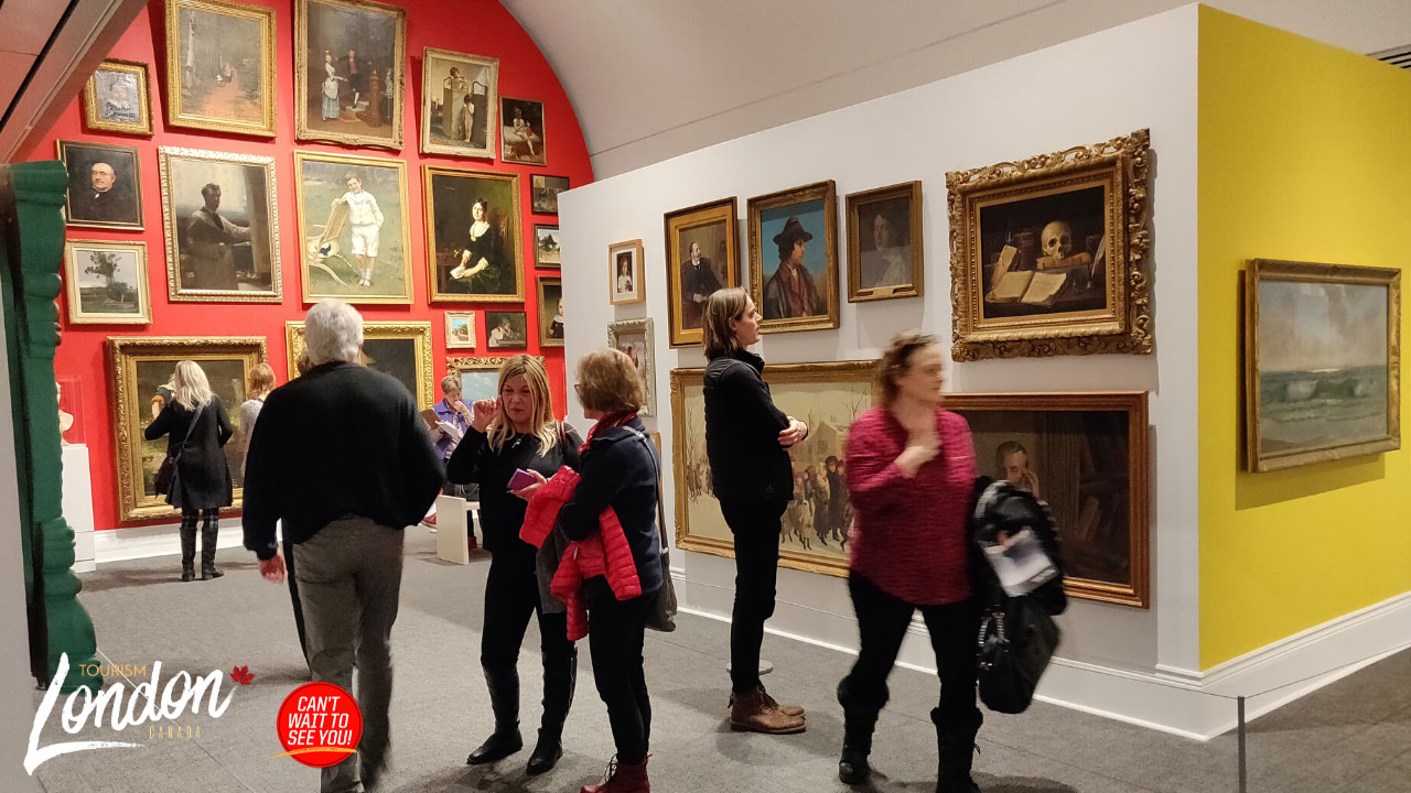Museum London - Inside a Gallery