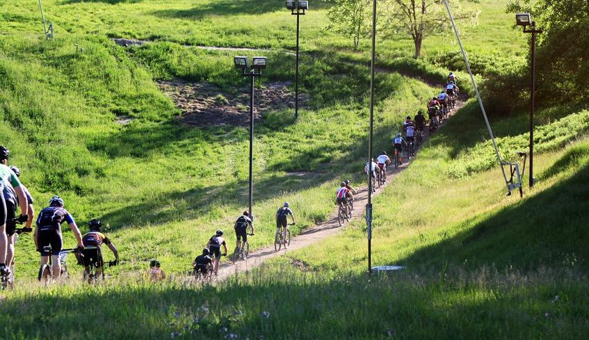 bikers at Boler Mountain
